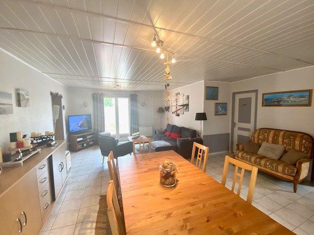 Maison à vendre 4 101m2 à Château-d'Olonne vignette-4