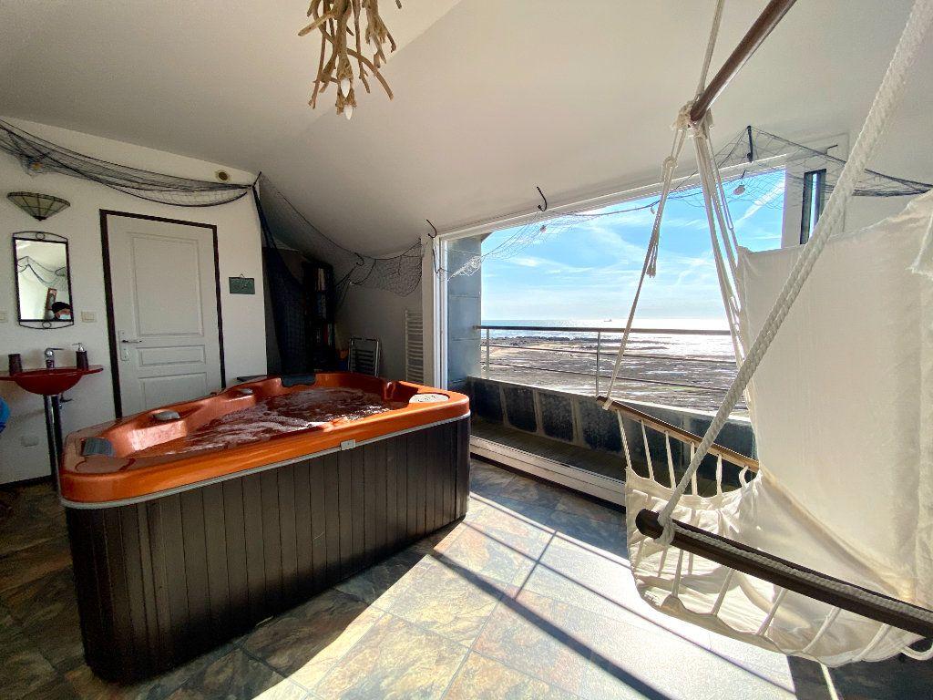 Maison à vendre 7 135m2 à Les Sables-d'Olonne vignette-1