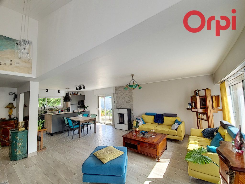 Maison à vendre 5 135m2 à Talmont-Saint-Hilaire vignette-1