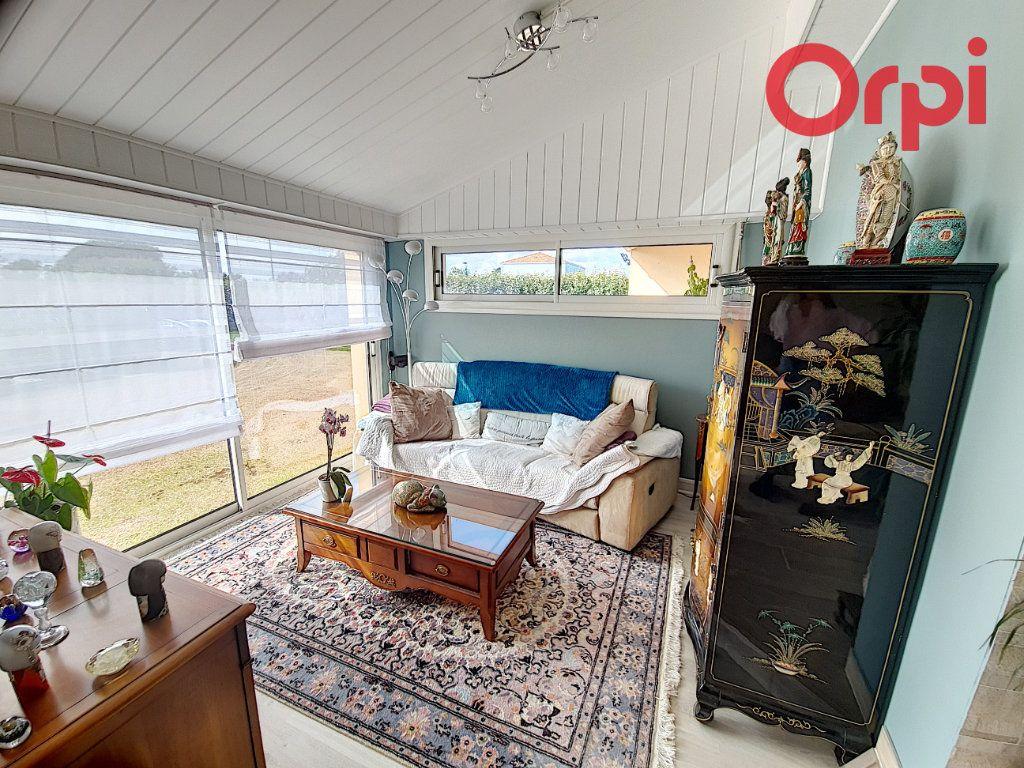 Maison à vendre 5 135m2 à Talmont-Saint-Hilaire vignette-3