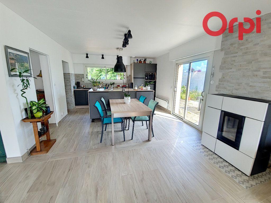 Maison à vendre 5 135m2 à Talmont-Saint-Hilaire vignette-4