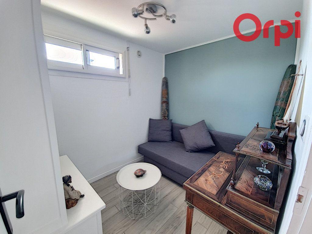 Maison à vendre 5 135m2 à Talmont-Saint-Hilaire vignette-10