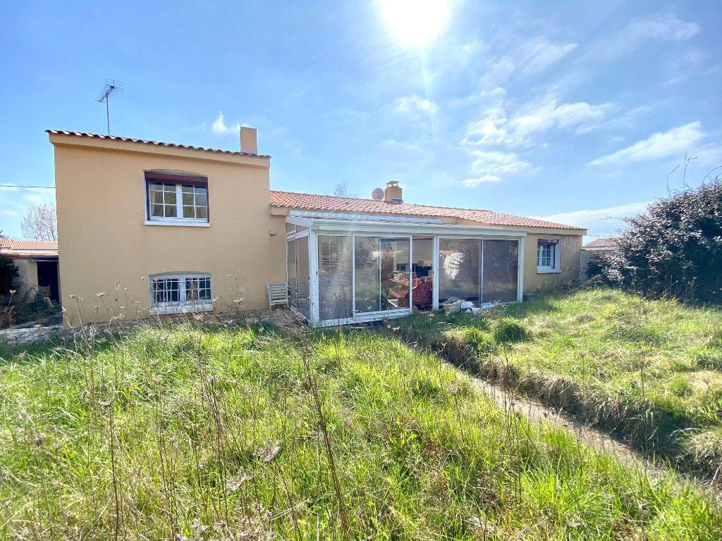 Maison à vendre 5 130m2 à Olonne-sur-Mer vignette-3
