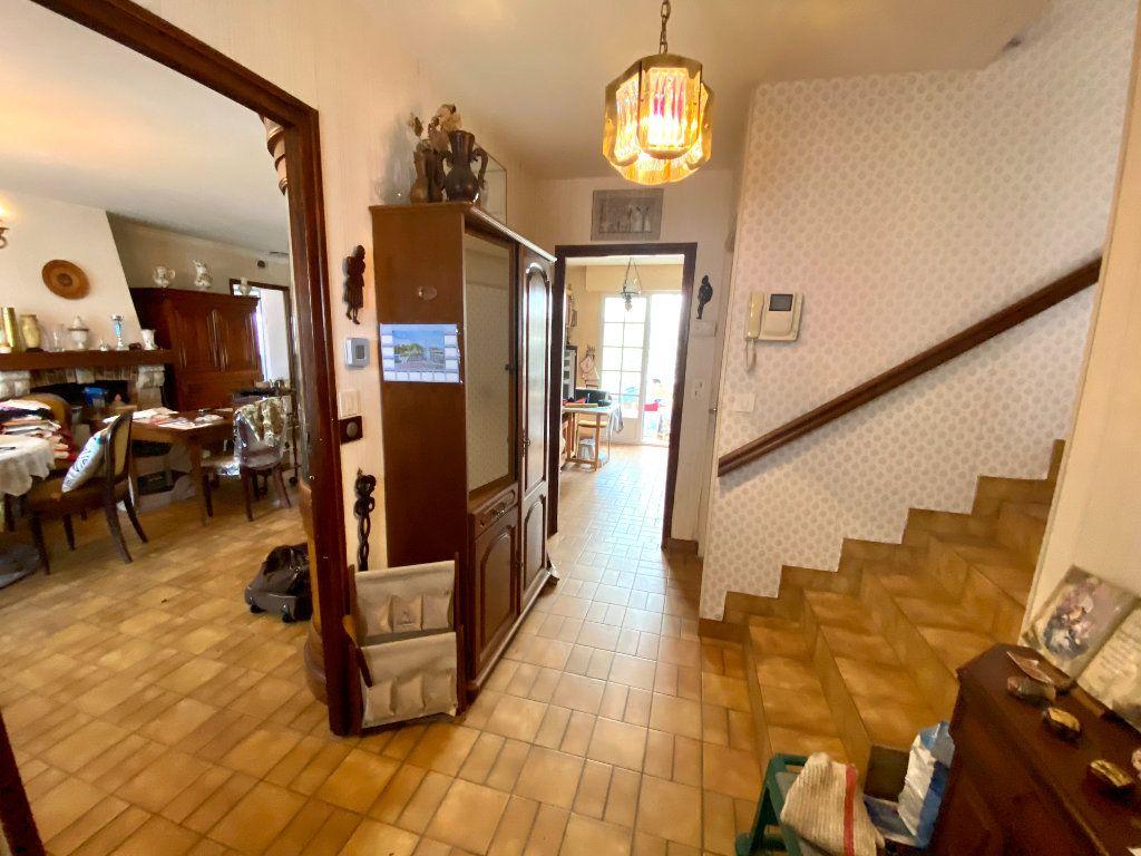 Maison à vendre 5 130m2 à Olonne-sur-Mer vignette-7