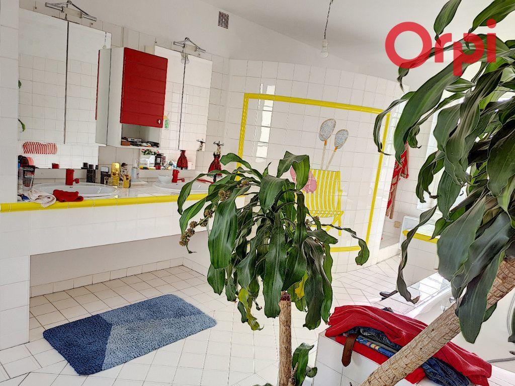 Maison à vendre 12 285.89m2 à Talmont-Saint-Hilaire vignette-6
