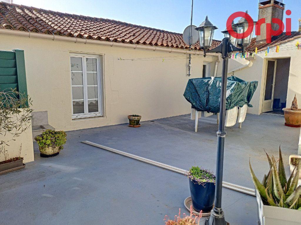 Maison à vendre 12 285.89m2 à Talmont-Saint-Hilaire vignette-8