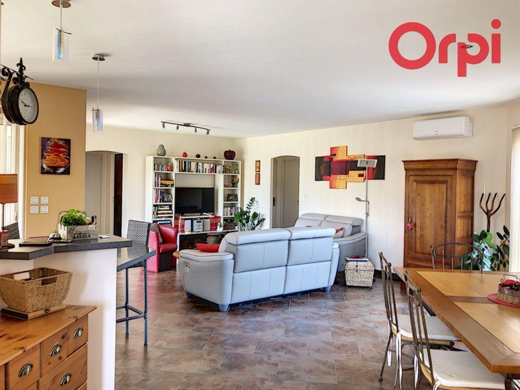 Maison à vendre 6 130m2 à Talmont-Saint-Hilaire vignette-2