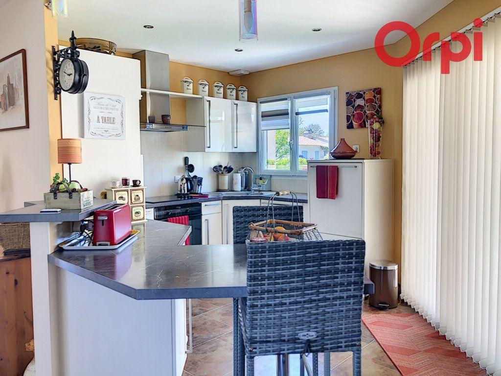 Maison à vendre 6 130m2 à Talmont-Saint-Hilaire vignette-3