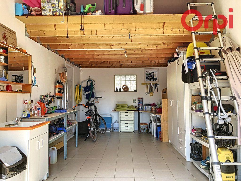 Maison à vendre 6 130m2 à Talmont-Saint-Hilaire vignette-10