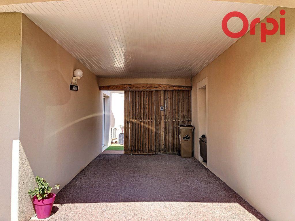 Maison à vendre 6 130m2 à Talmont-Saint-Hilaire vignette-11