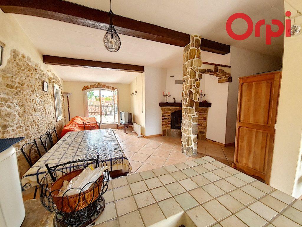 Maison à vendre 6 105m2 à Talmont-Saint-Hilaire vignette-1