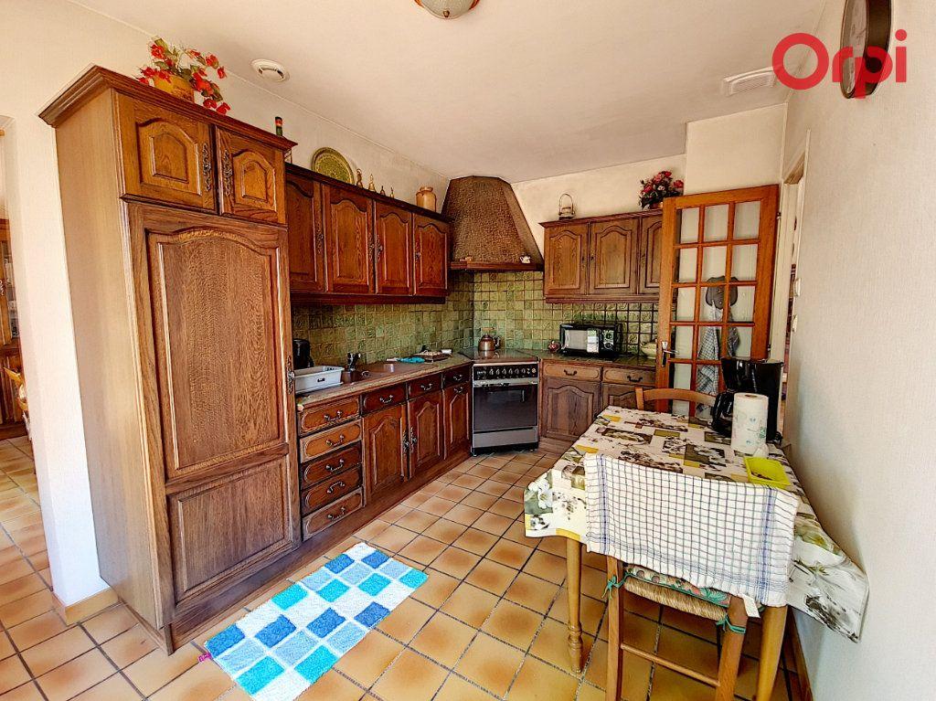 Maison à vendre 7 172m2 à Talmont-Saint-Hilaire vignette-5
