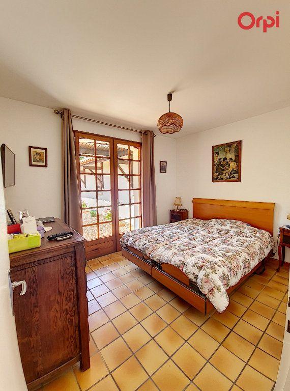 Maison à vendre 7 172m2 à Talmont-Saint-Hilaire vignette-6