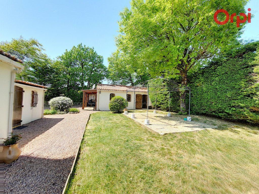 Maison à vendre 7 172m2 à Talmont-Saint-Hilaire vignette-14