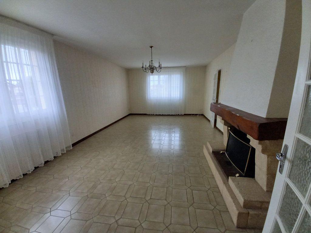 Maison à vendre 6 118m2 à Château-d'Olonne vignette-2