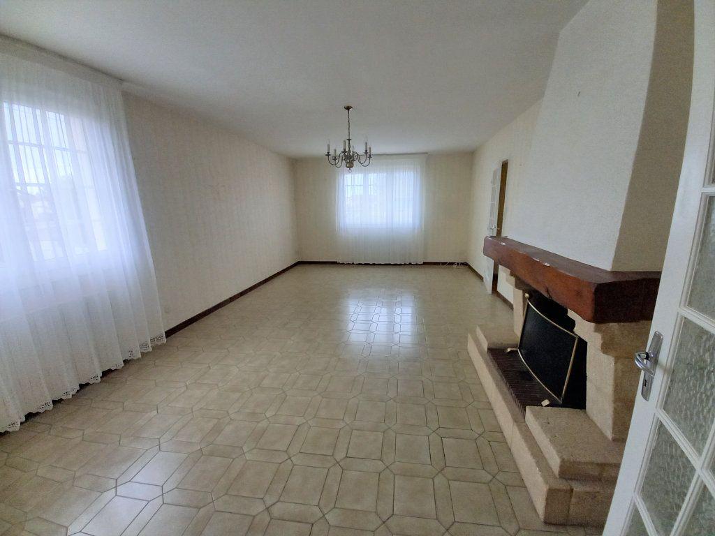 Maison à vendre 6 118m2 à Château-d'Olonne vignette-5