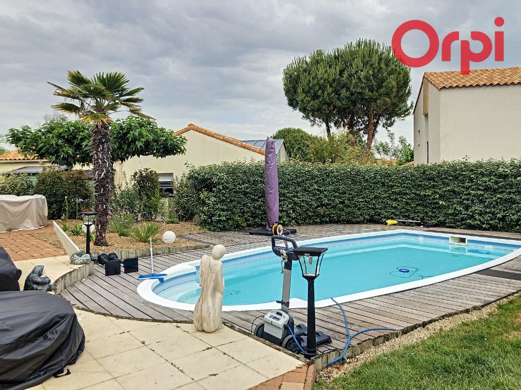 Maison à vendre 5 100m2 à Château-d'Olonne vignette-5