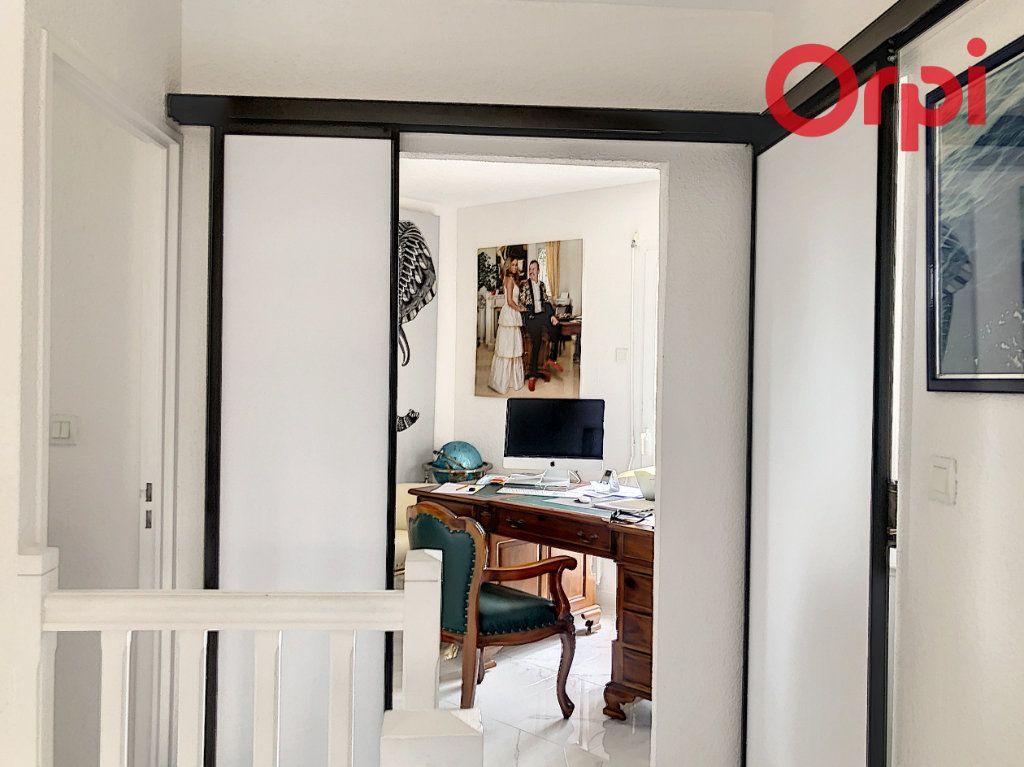 Maison à vendre 5 100m2 à Château-d'Olonne vignette-12