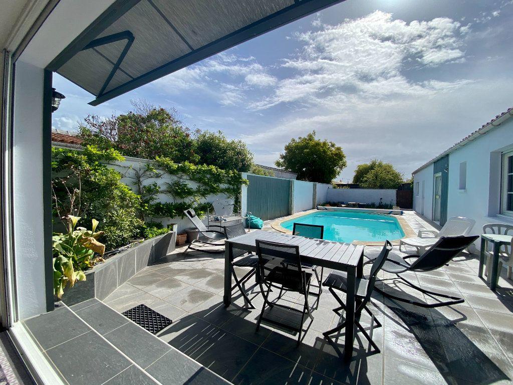 Maison à vendre 6 148m2 à Olonne-sur-Mer vignette-1