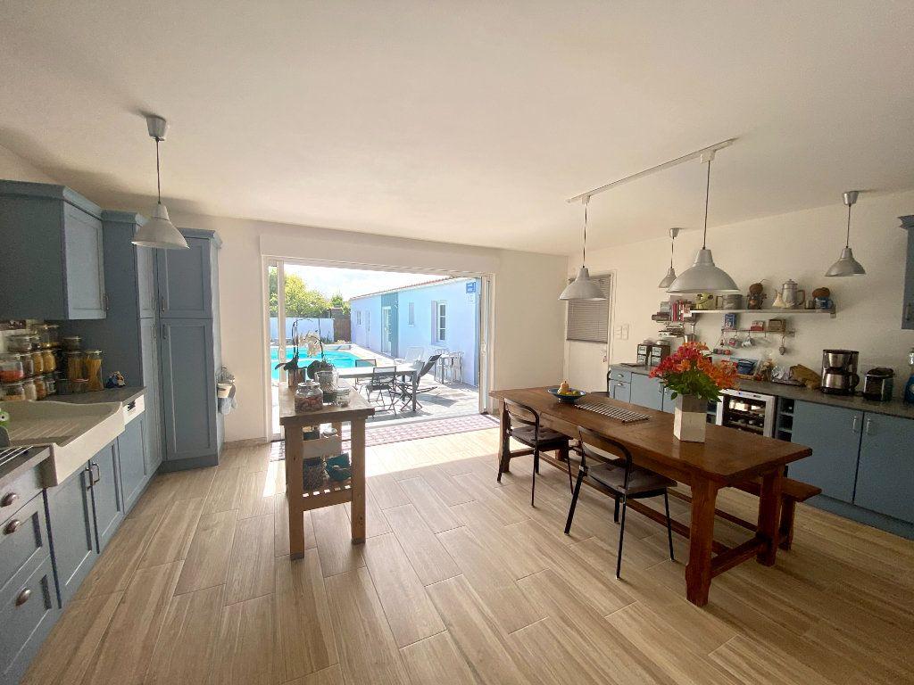 Maison à vendre 6 148m2 à Olonne-sur-Mer vignette-2