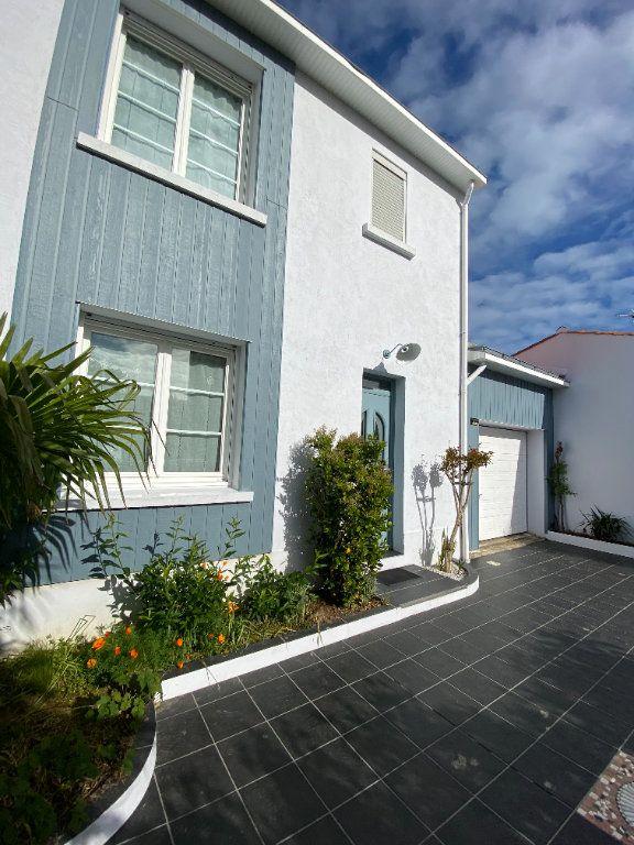 Maison à vendre 6 148m2 à Olonne-sur-Mer vignette-3