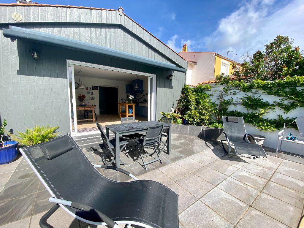 Maison à vendre 6 148m2 à Olonne-sur-Mer vignette-4