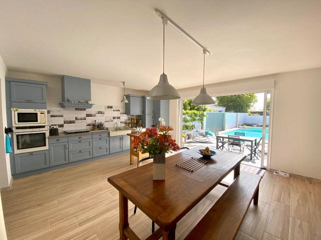 Maison à vendre 6 148m2 à Olonne-sur-Mer vignette-5