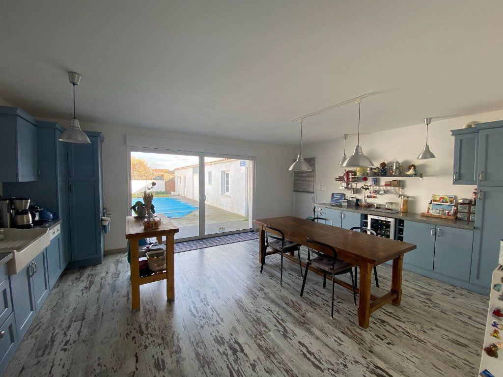 Maison à vendre 6 148m2 à Olonne-sur-Mer vignette-7
