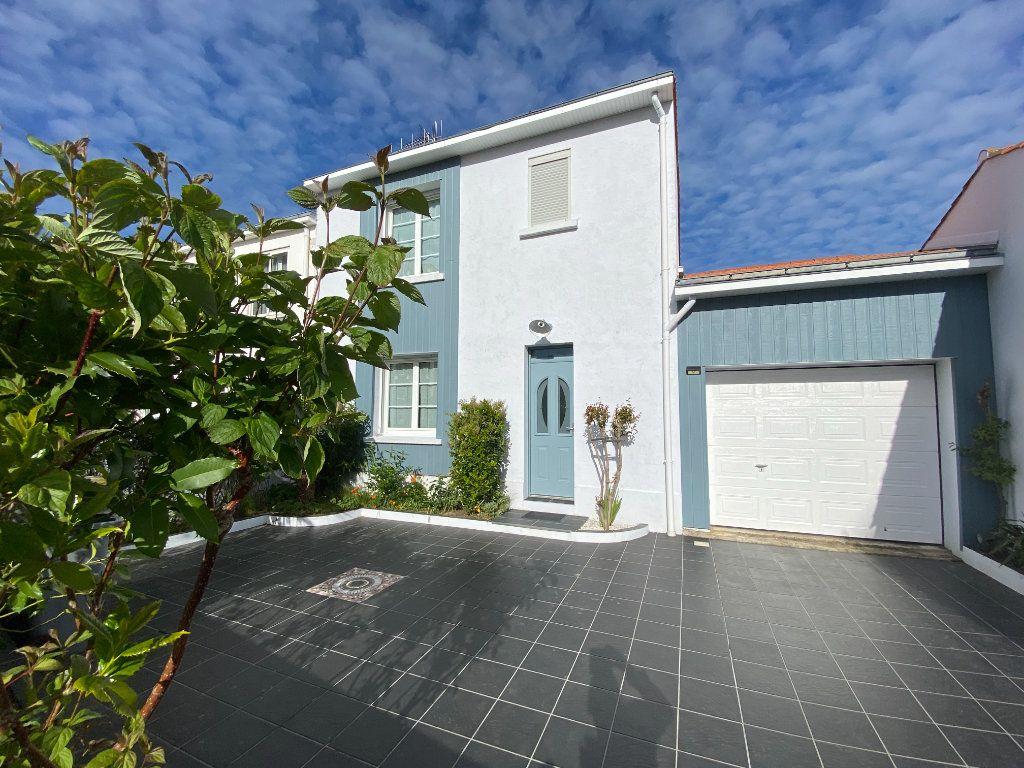 Maison à vendre 6 148m2 à Olonne-sur-Mer vignette-11
