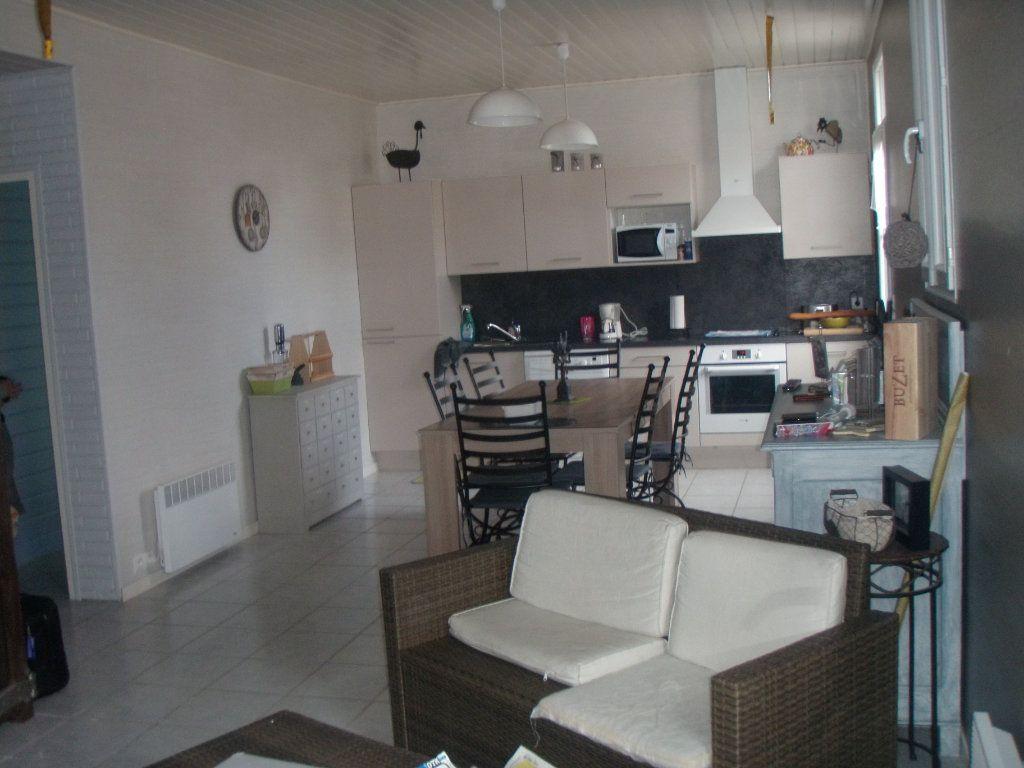 Maison à vendre 5 110m2 à Talmont-Saint-Hilaire vignette-2