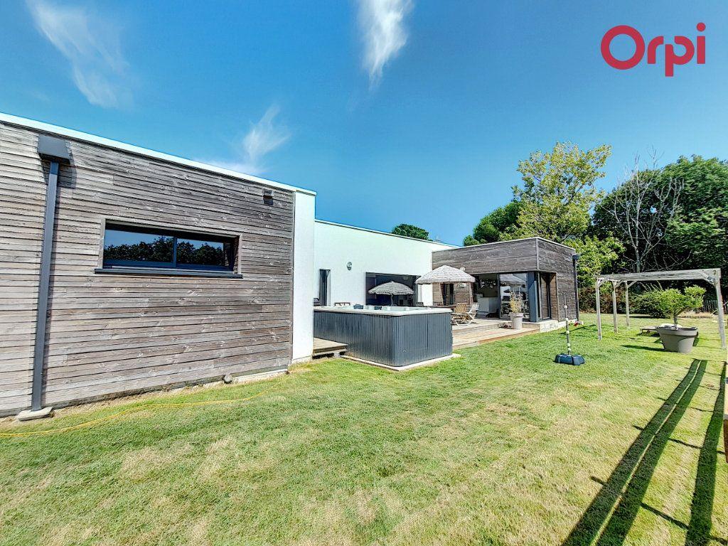 Maison à vendre 8 166.5m2 à Talmont-Saint-Hilaire vignette-7