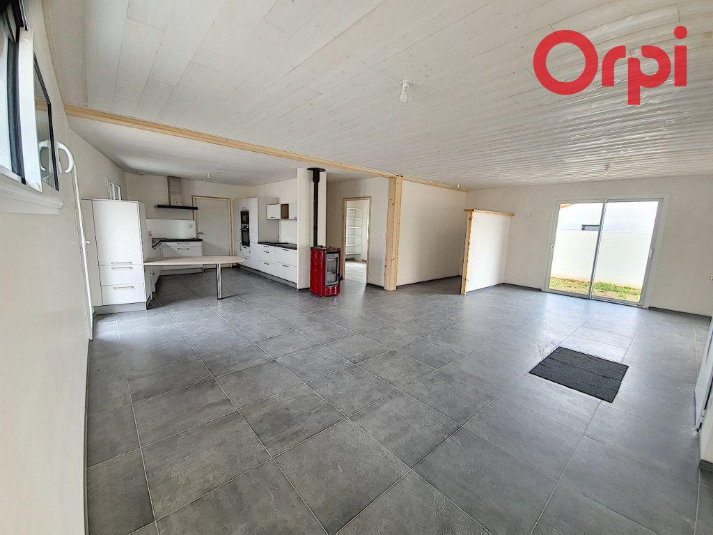 Maison à vendre 5 141m2 à Talmont-Saint-Hilaire vignette-3