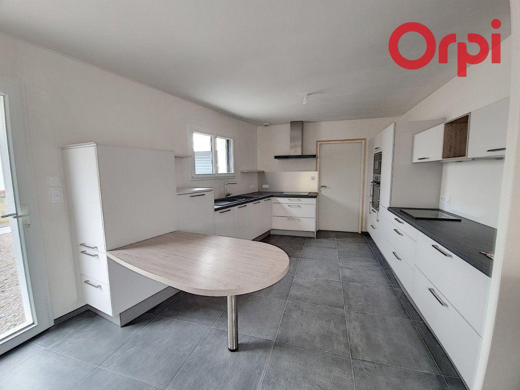 Maison à vendre 5 141m2 à Talmont-Saint-Hilaire vignette-4