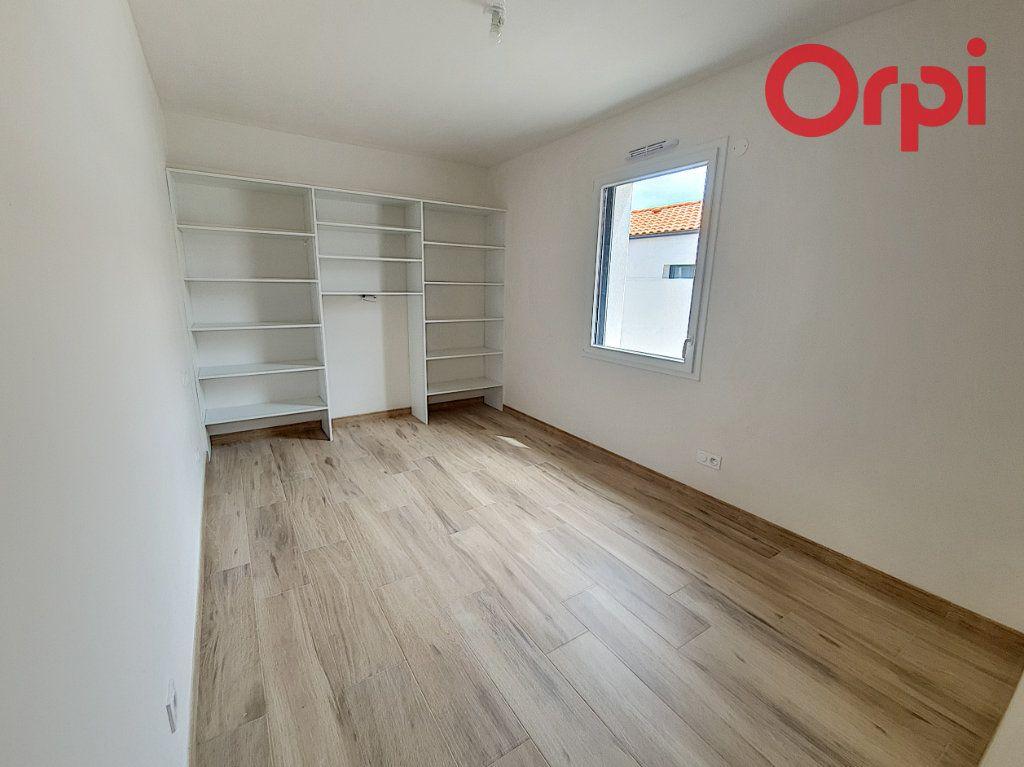 Maison à vendre 5 141m2 à Talmont-Saint-Hilaire vignette-6