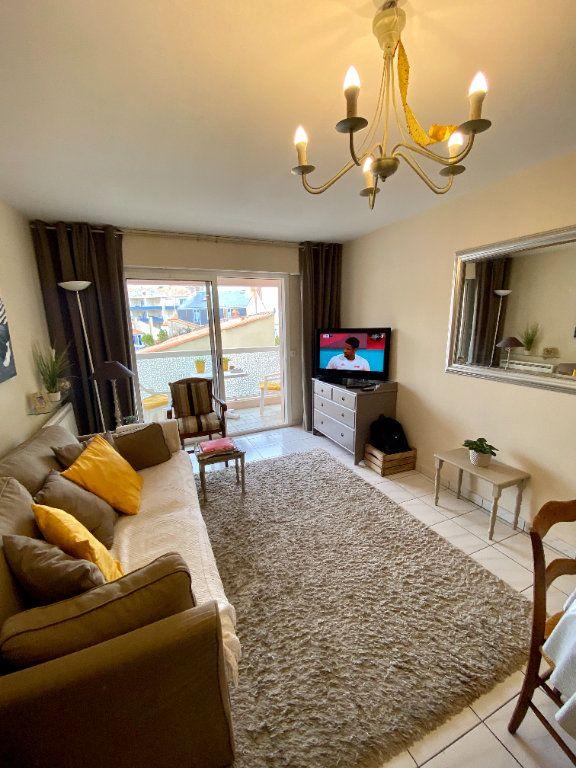 Appartement à vendre 2 38m2 à Les Sables-d'Olonne vignette-2