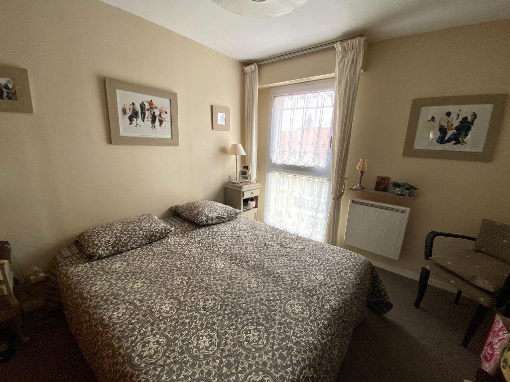 Appartement à vendre 2 38m2 à Les Sables-d'Olonne vignette-5