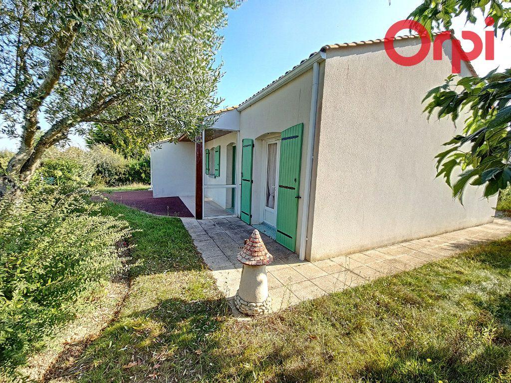 Maison à vendre 3 65m2 à Talmont-Saint-Hilaire vignette-1