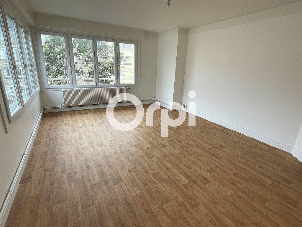 Appartement à louer 5 85m2 à Boulogne-sur-Mer vignette-1