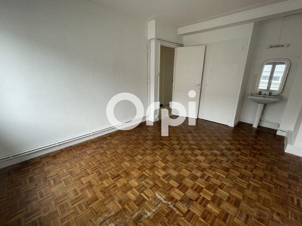 Appartement à louer 5 85m2 à Boulogne-sur-Mer vignette-3