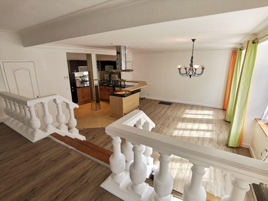 Appartement à vendre 5 160m2 à Boulogne-sur-Mer vignette-3
