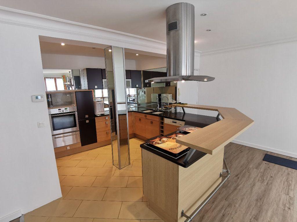 Appartement à vendre 5 160m2 à Boulogne-sur-Mer vignette-4