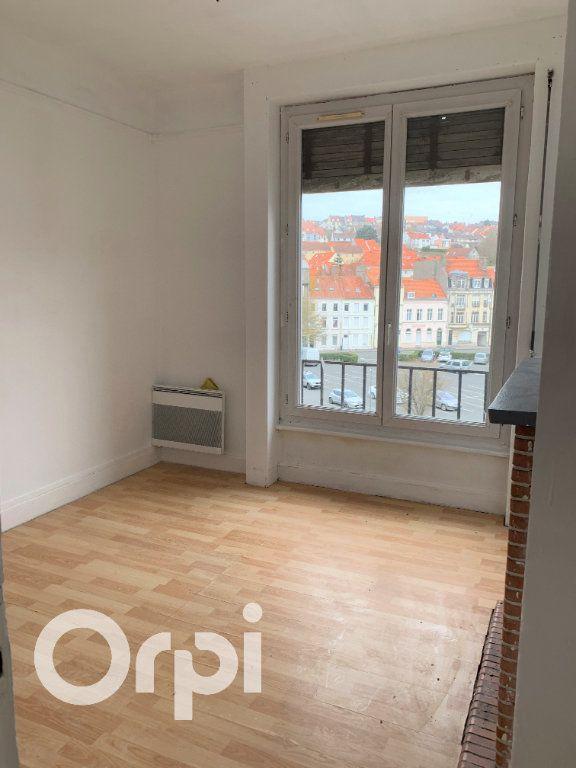 Appartement à vendre 5 0m2 à Boulogne-sur-Mer vignette-3