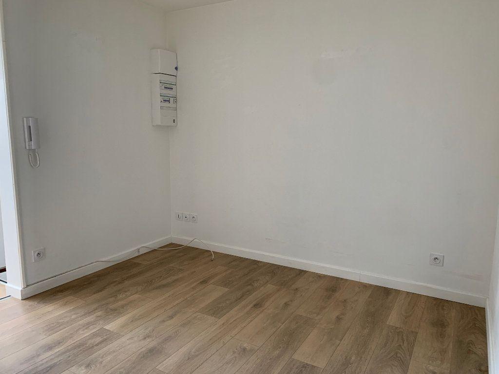 Appartement à louer 2 25m2 à Desvres vignette-4