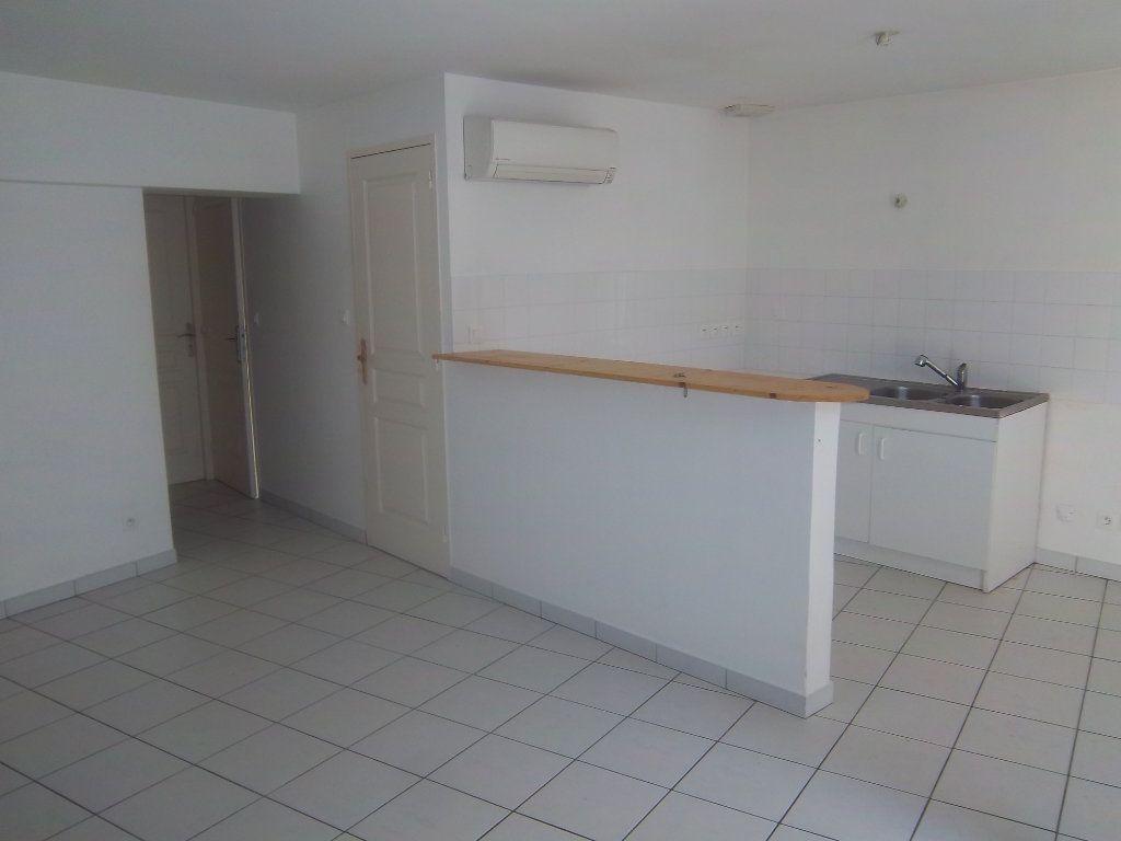 Appartement à vendre 4 82.74m2 à Limony vignette-1