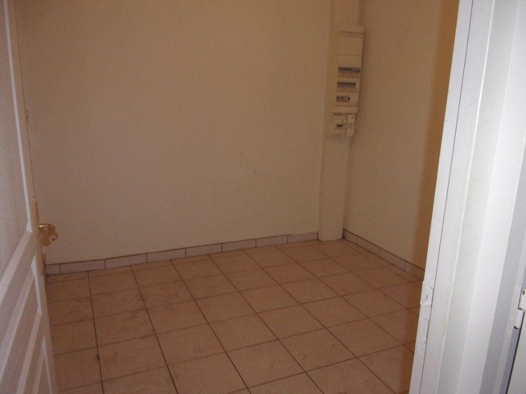 Appartement à vendre 4 82.74m2 à Limony vignette-9