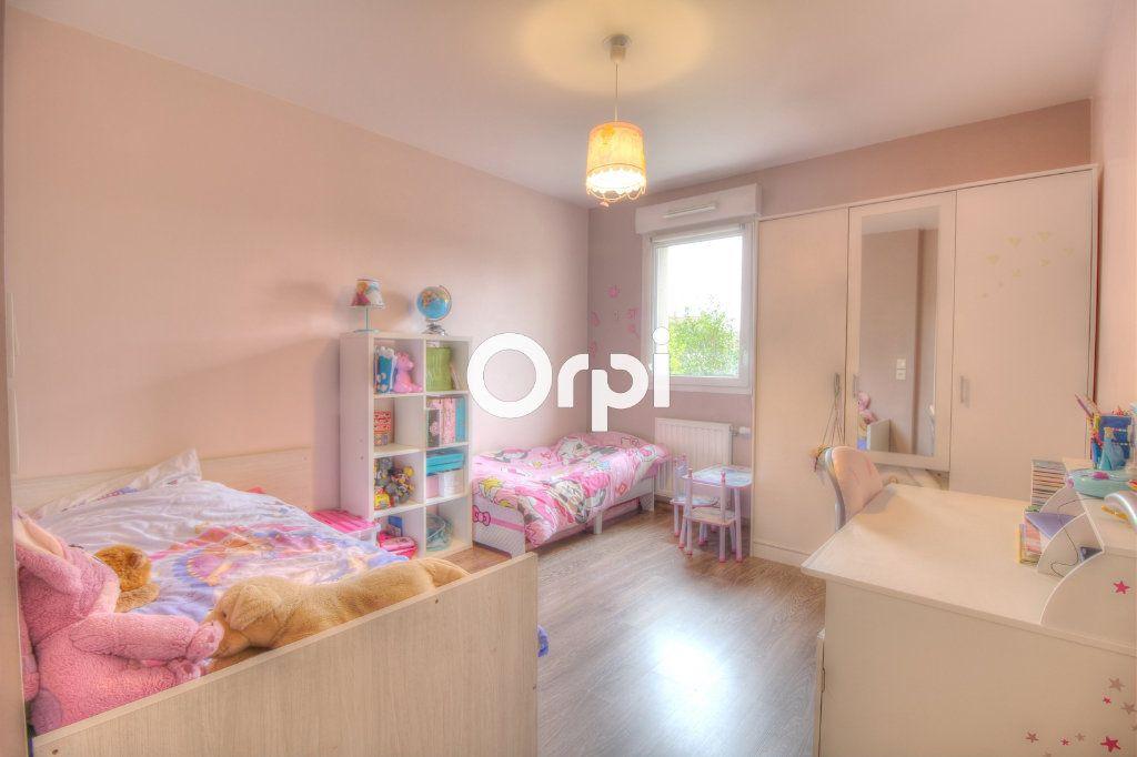 Appartement à vendre 3 60.27m2 à Meyzieu vignette-5
