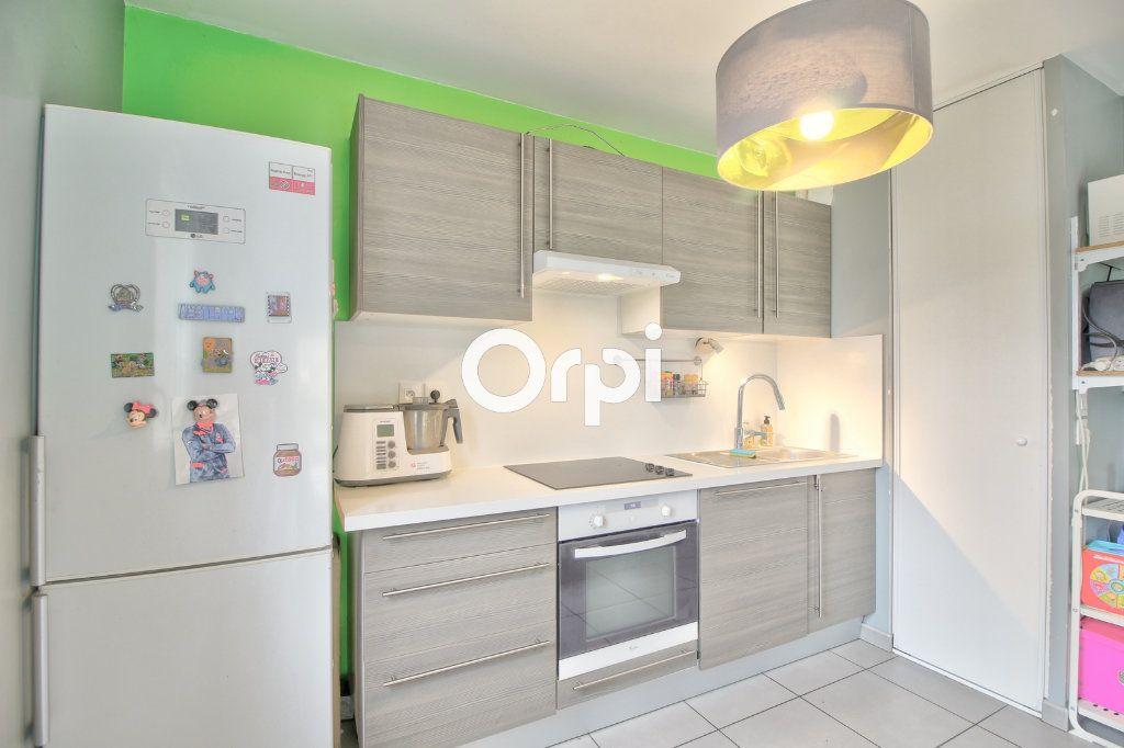 Appartement à vendre 3 60.27m2 à Meyzieu vignette-8