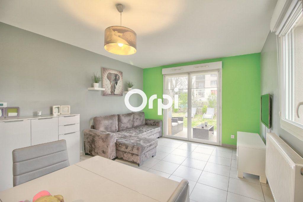 Appartement à vendre 3 60.27m2 à Meyzieu vignette-9