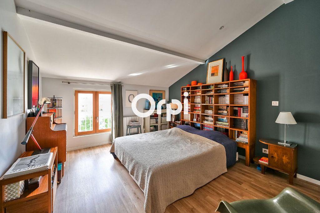 Appartement à vendre 4 122m2 à Lyon 4 vignette-4