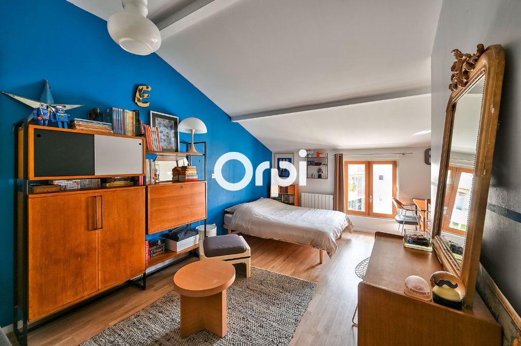 Appartement à vendre 4 122m2 à Lyon 4 vignette-6